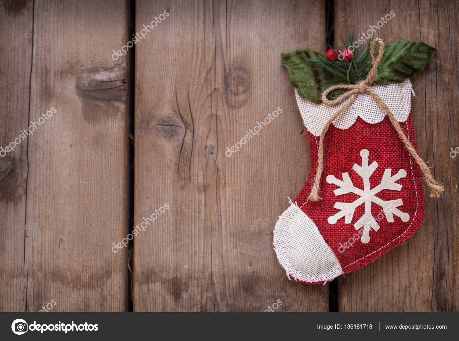 Weihnachts-Geschenk-Socke — Stockfoto © artnature #136181718