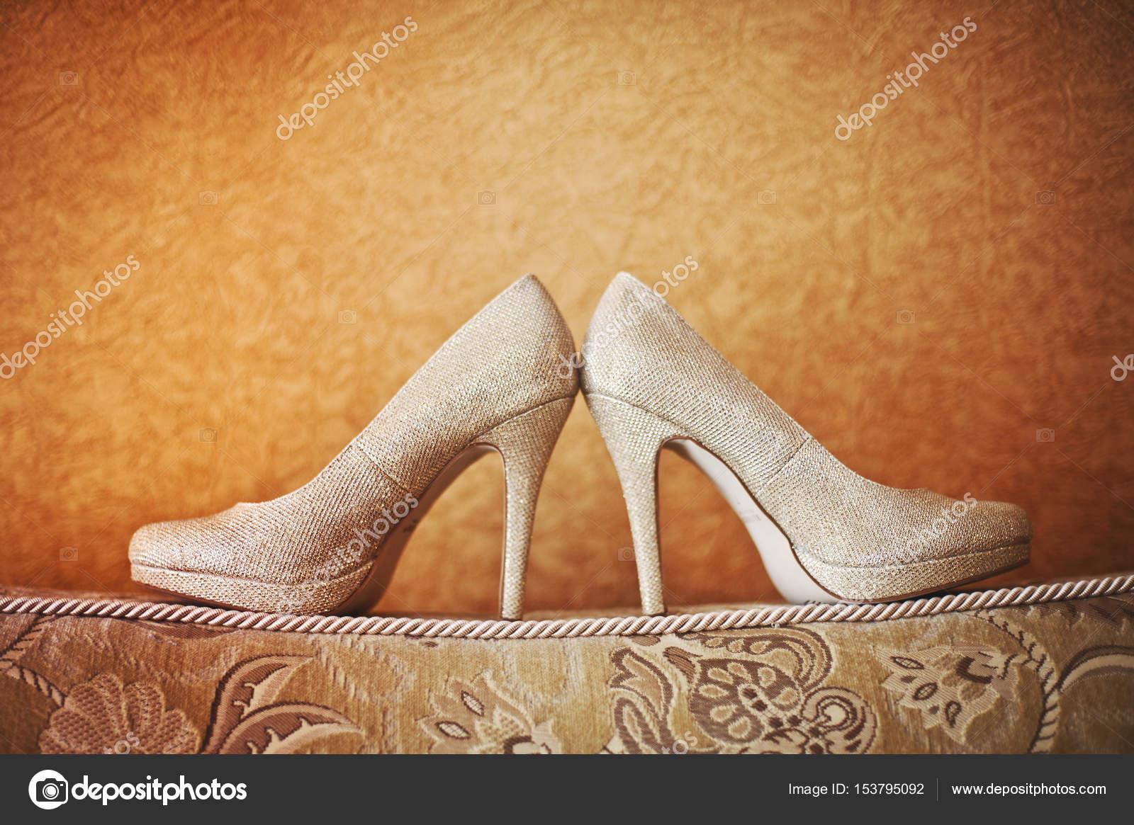 Moderne Hochzeitsschuhe Stockfoto C Shmelevanatalie 153795092