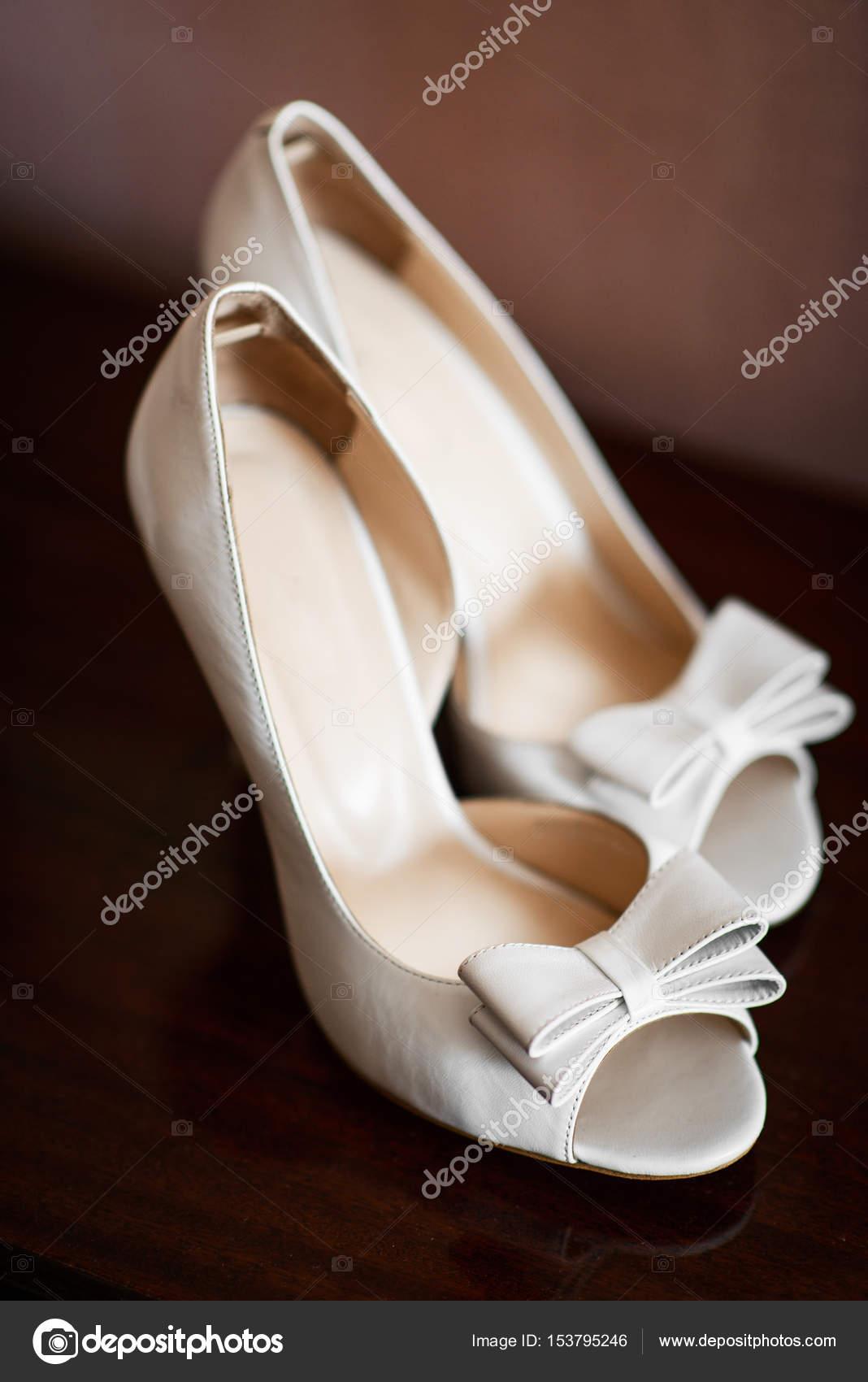 Moderne Hochzeitsschuhe Stockfoto C Shmelevanatalie 153795246