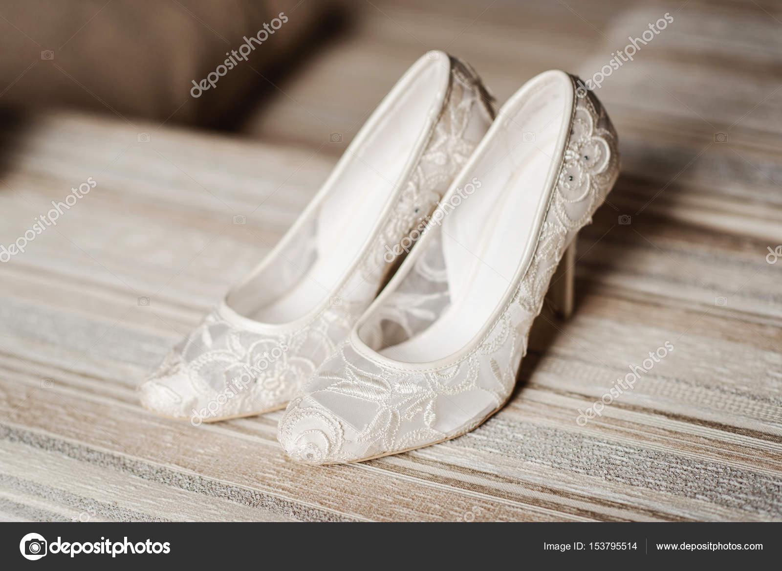 Moderne Hochzeitsschuhe Stockfoto C Shmelevanatalie 153795514