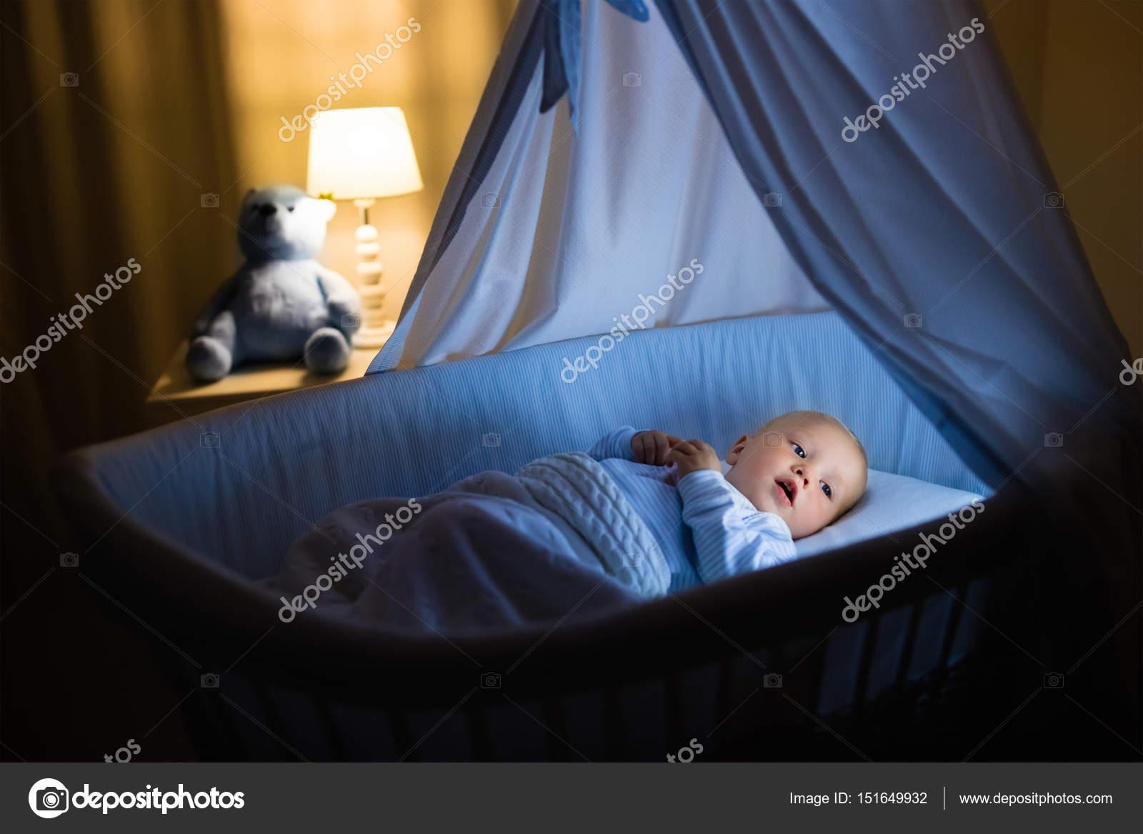 Puppenbett auf rollen puppen stubenwagen knorr blau bärchen eur