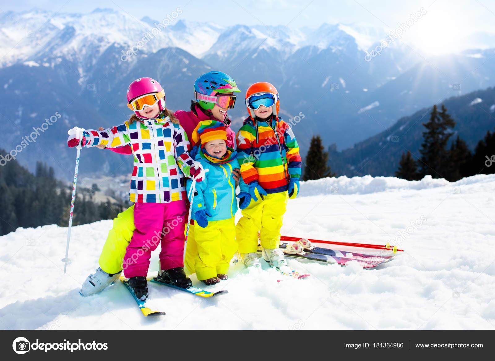 b3c689c9d430 Family ski vacation. Winter snow sport for kids. — Stock Photo ...