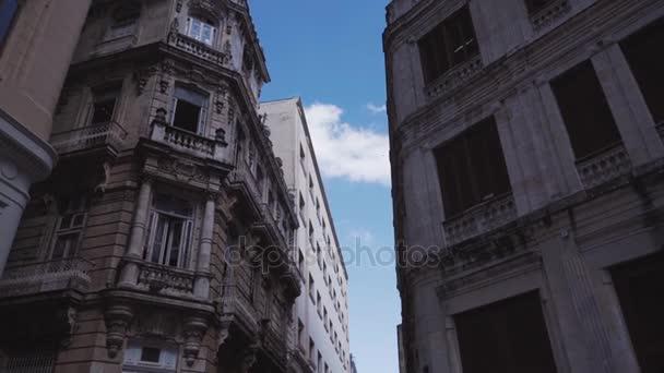 Kuba, Havana - 15 října 2016: San Francisco čtvercové havana Kuba city tour Zpomalený pohyb.