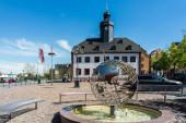 Altes Rathaus meerane mit Globus
