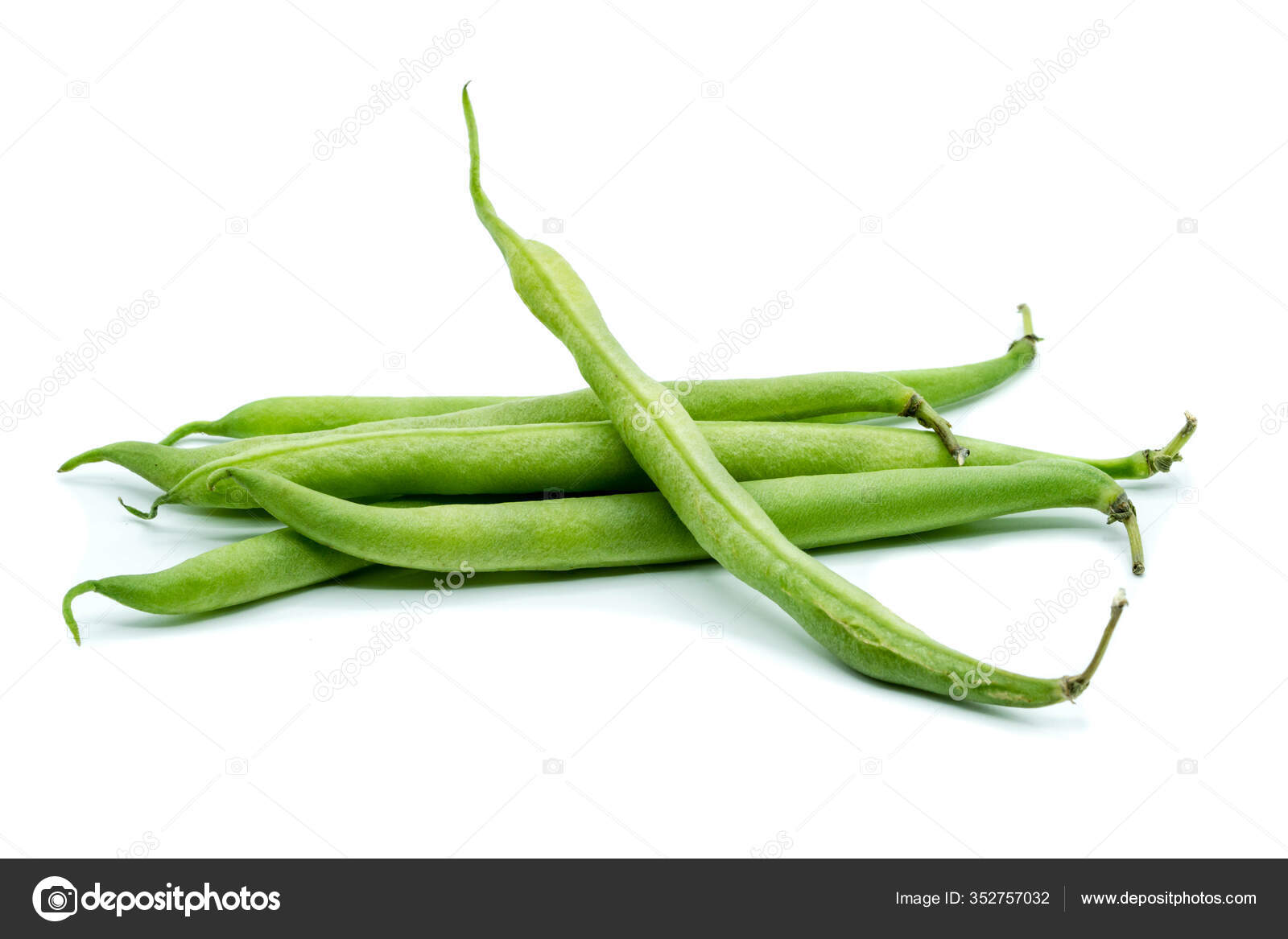 Green Beans Isolated White Background Stock Photo by ©Animaflora ...