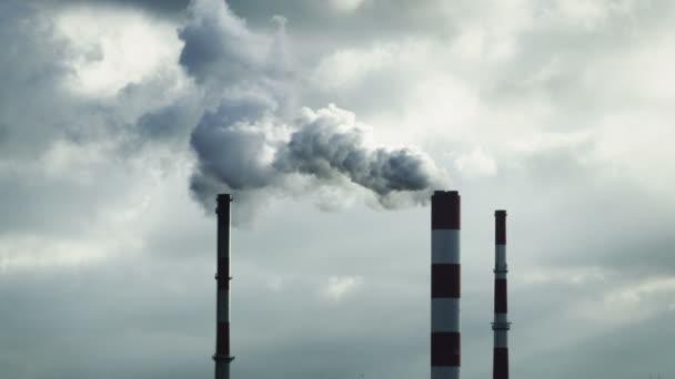 Inquinamento atmosferico. Camini