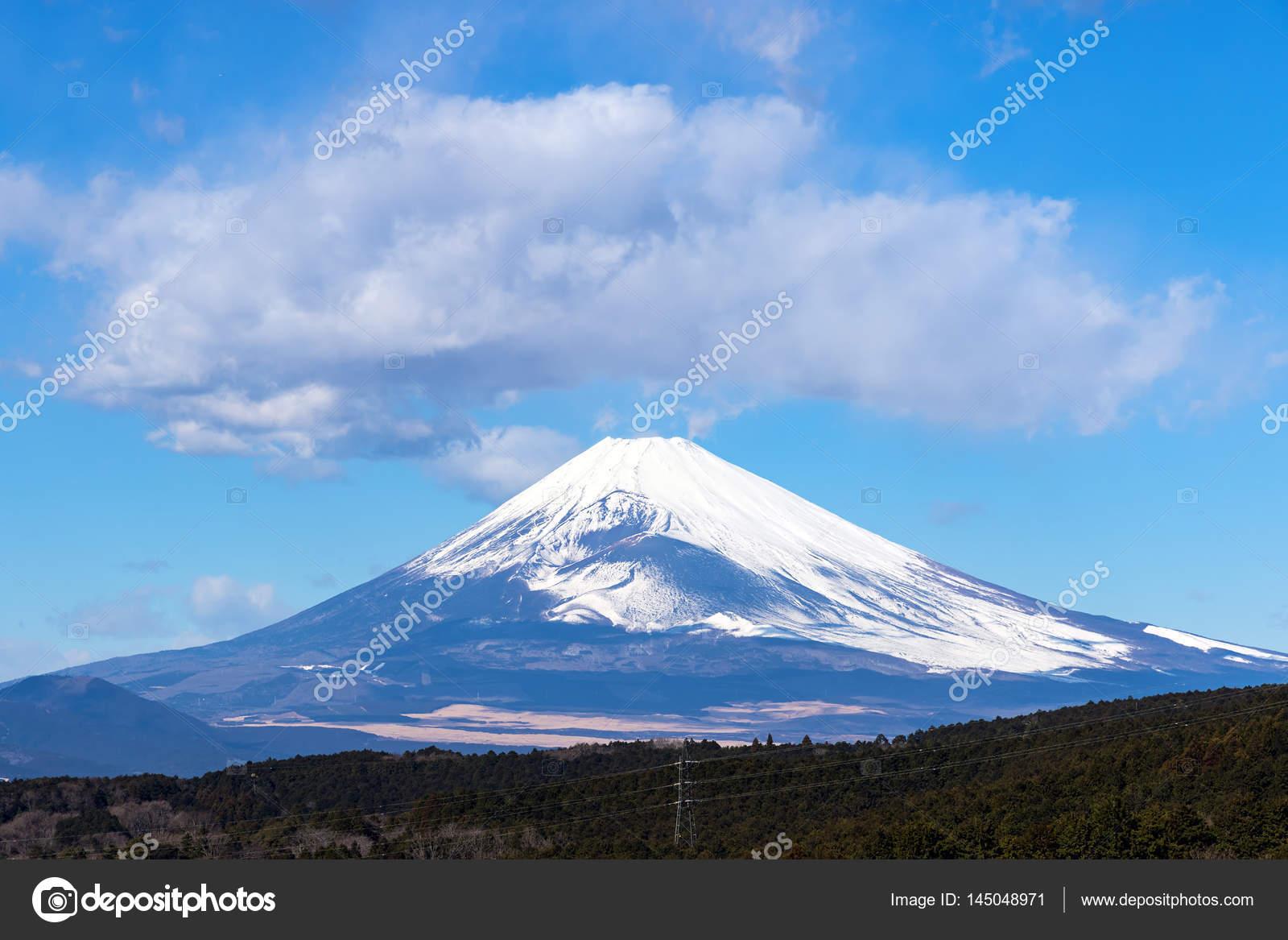 Snowcapped Imágenes De Stock Snowcapped Fotos De Stock: El Nevado Del Monte Fuji En Invierno