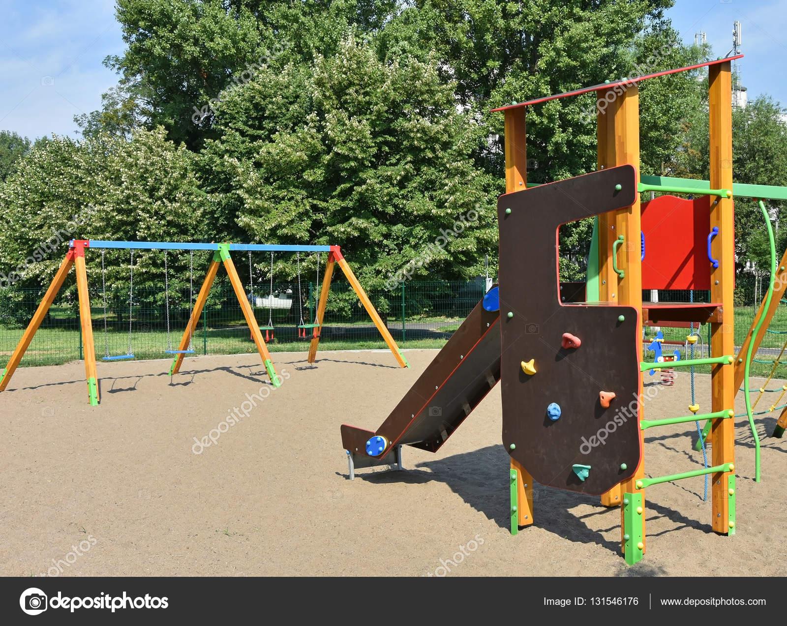 Klettergerüst Ohne Schaukel : Klettergerüst mit rutsche schaukel und spielhaus sypad