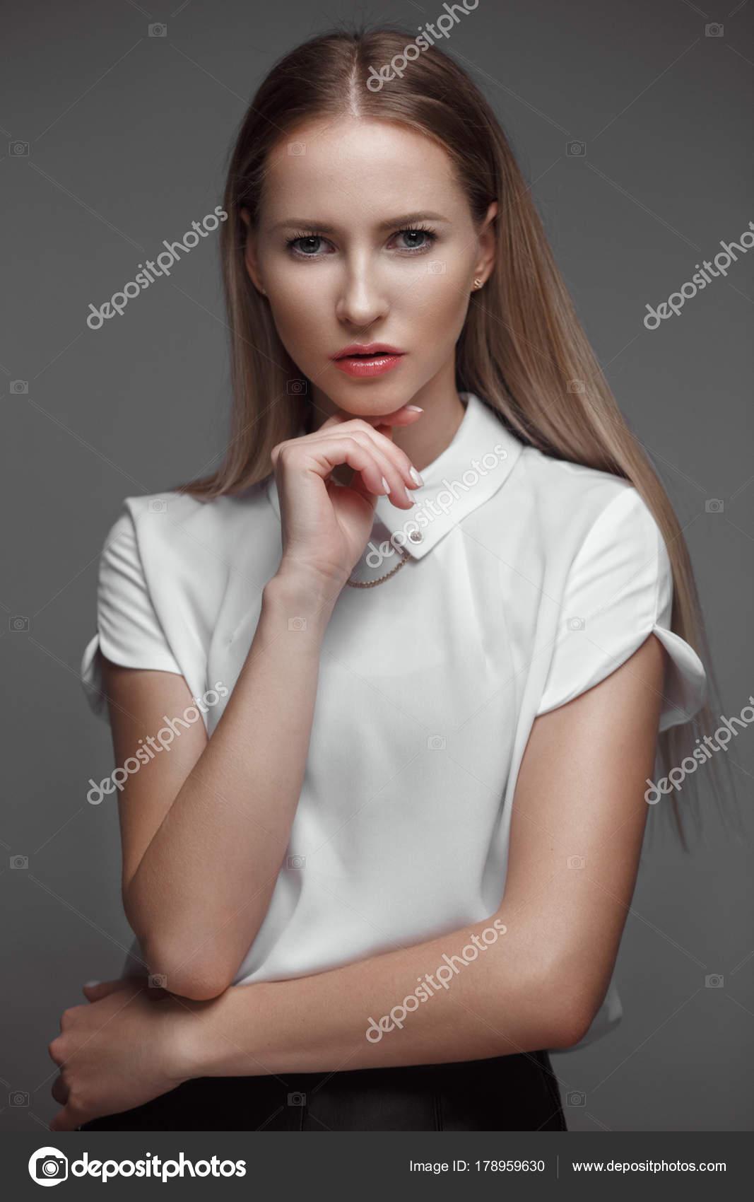 Симпатичные и сексуальные молодые модели