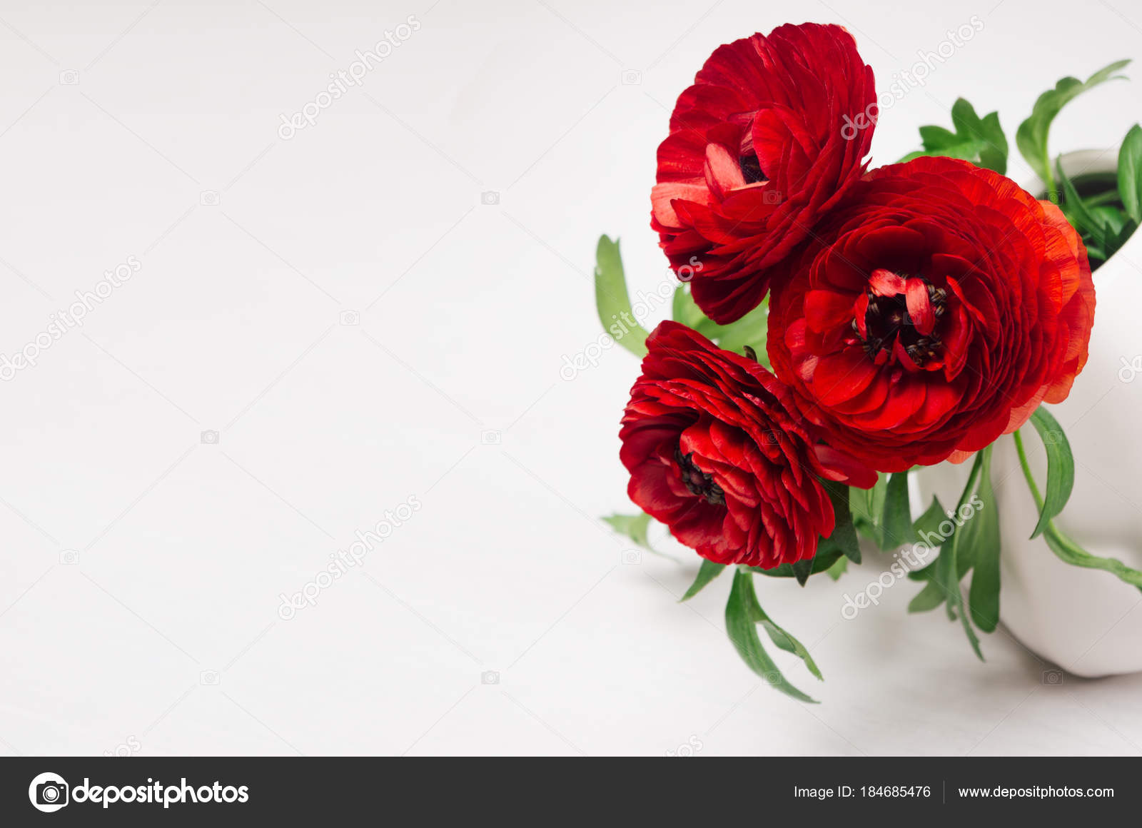 Deep Red Flower Bouquet Vase Copy Space White Wood Background Stock Photo Image By C Alinayudina 184685476