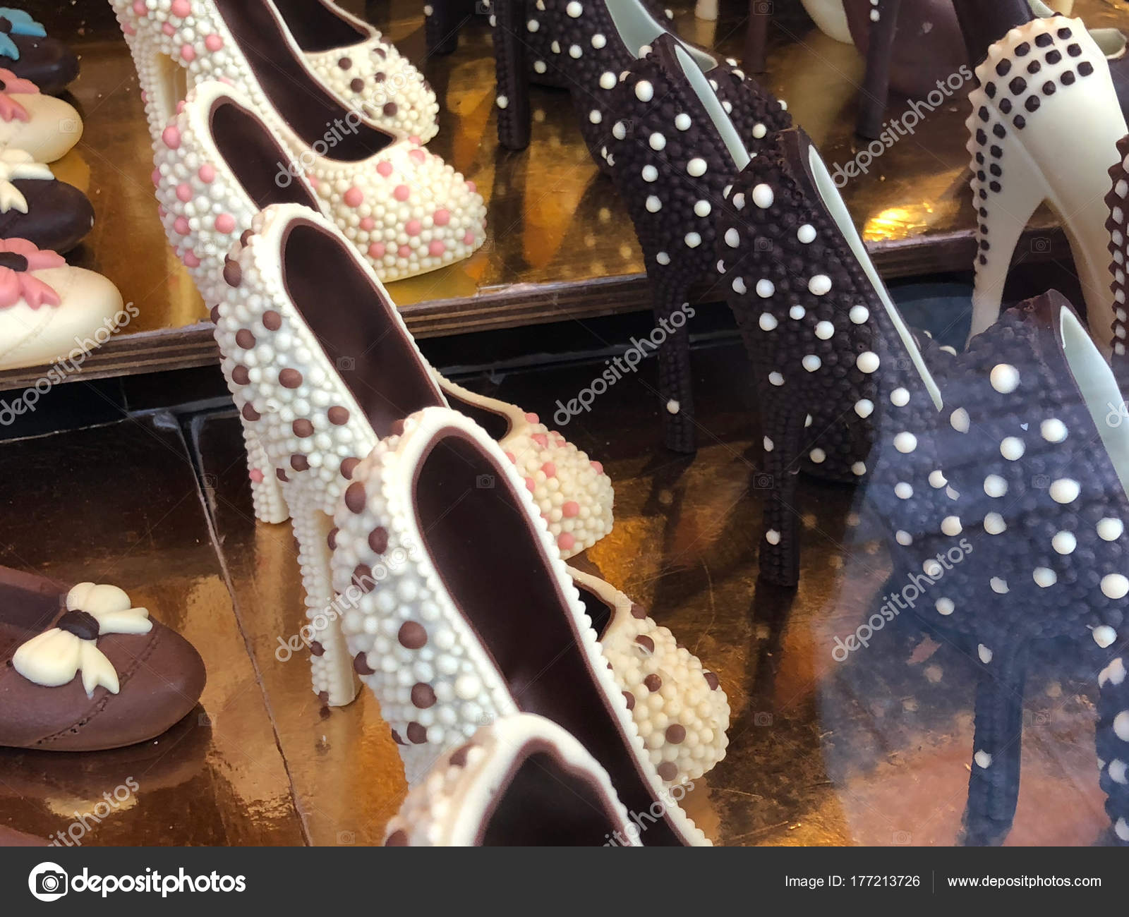 Elegantes Stock Tacón Fotos — Chocolate De Zapatos EH9I2WYD