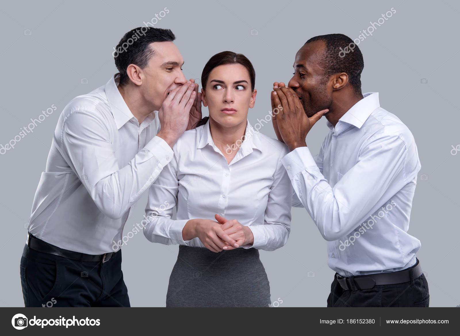 vrouw met twee mannen