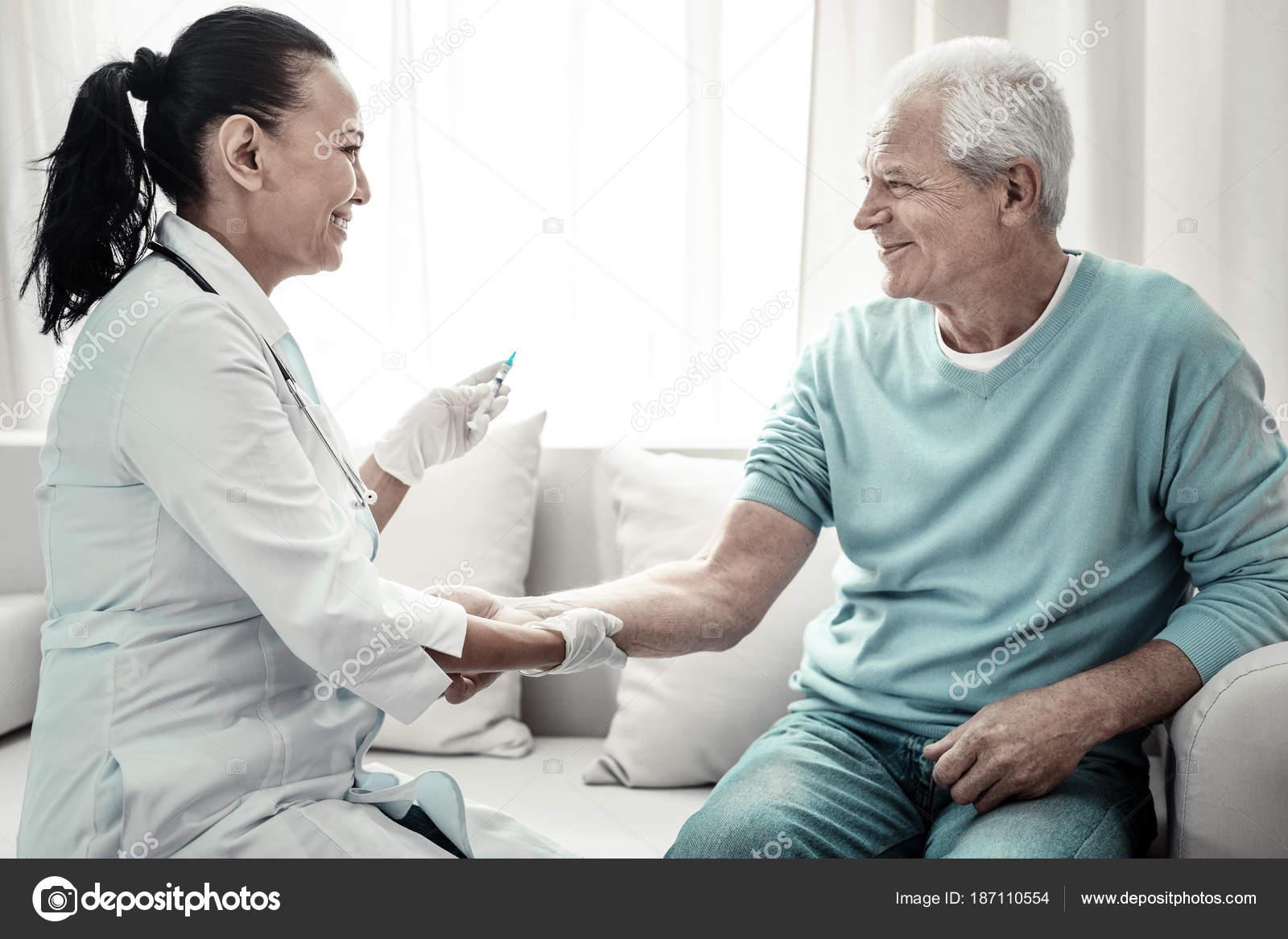 Νοσοκόμα ραντεβού νοσοκόμος