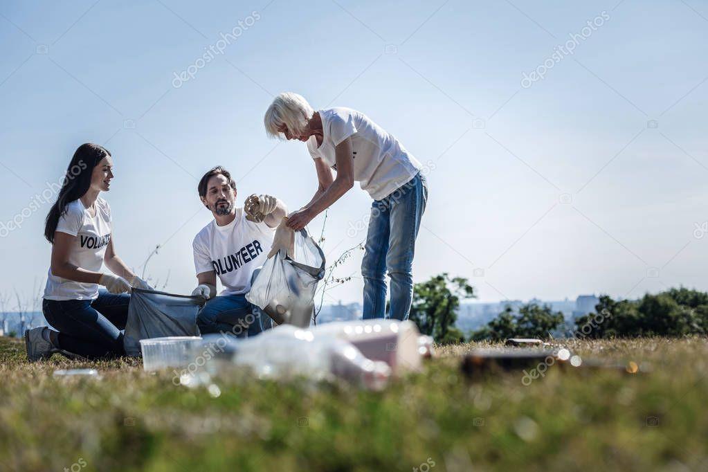 Nice positive volunteers working together