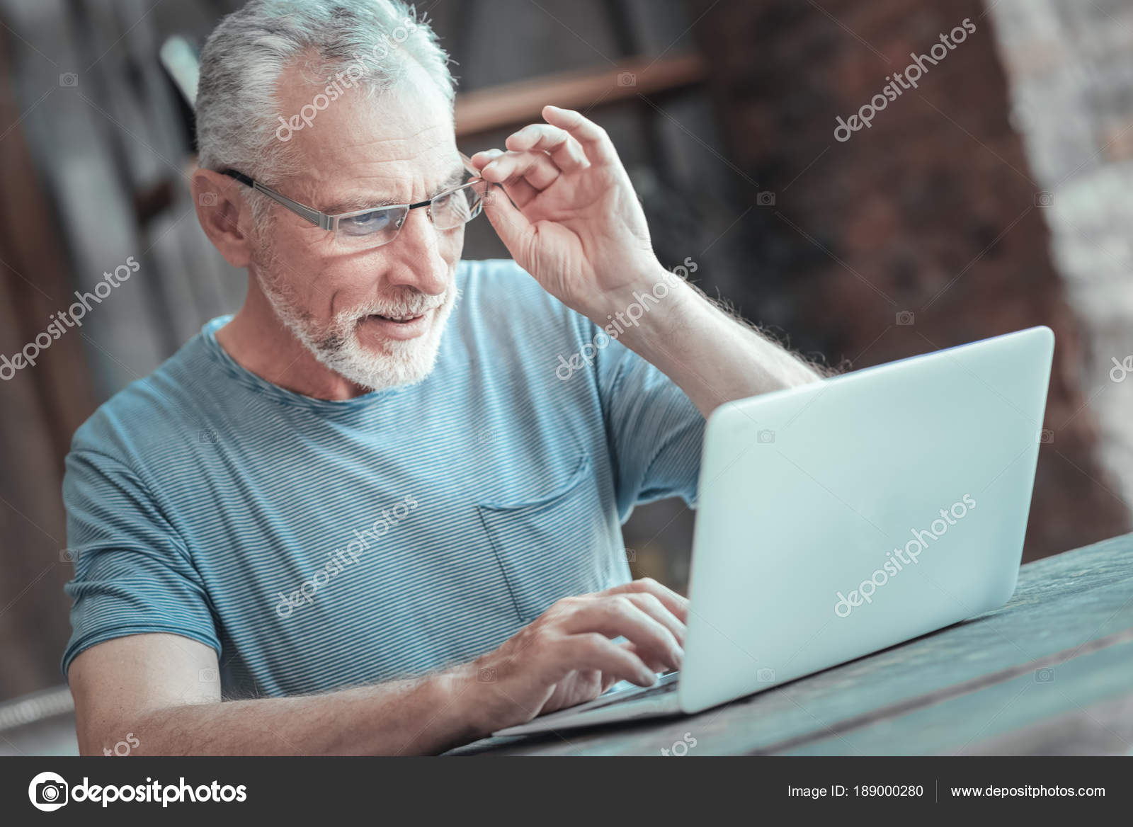 volný zaneprázdněný obrázek lisa ann tube porn
