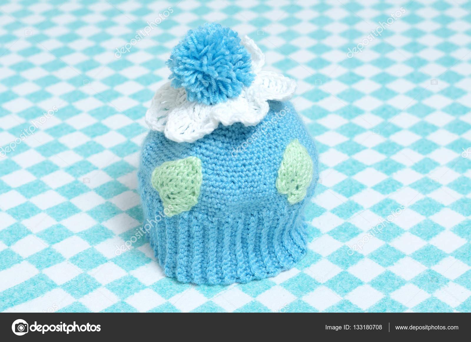 a babák pompon kötött sapka — Stock Fotó © Aynur sib  133180708 25719599d0