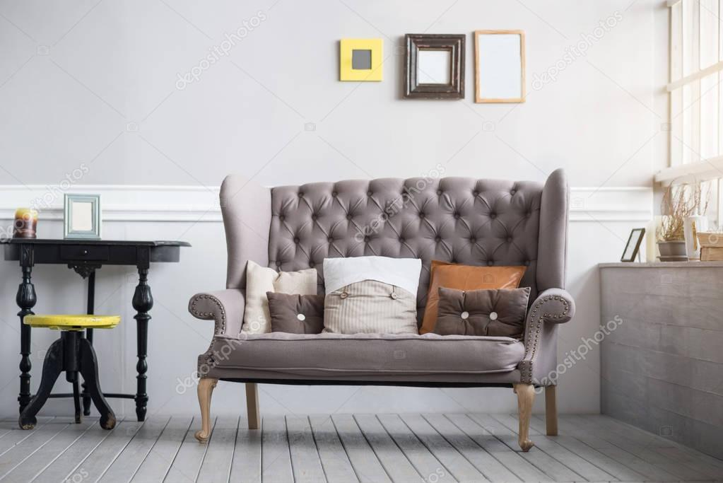 Gemütliches Wohnzimmer Interieur in grauen Farben — Stockfoto ...