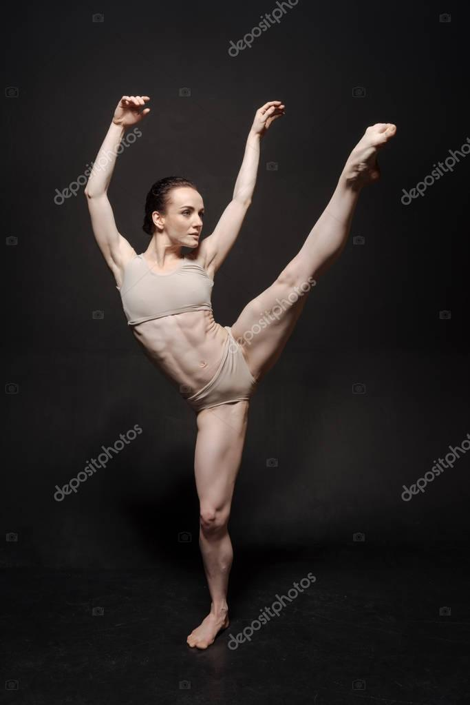 ballet dancer performing the twine