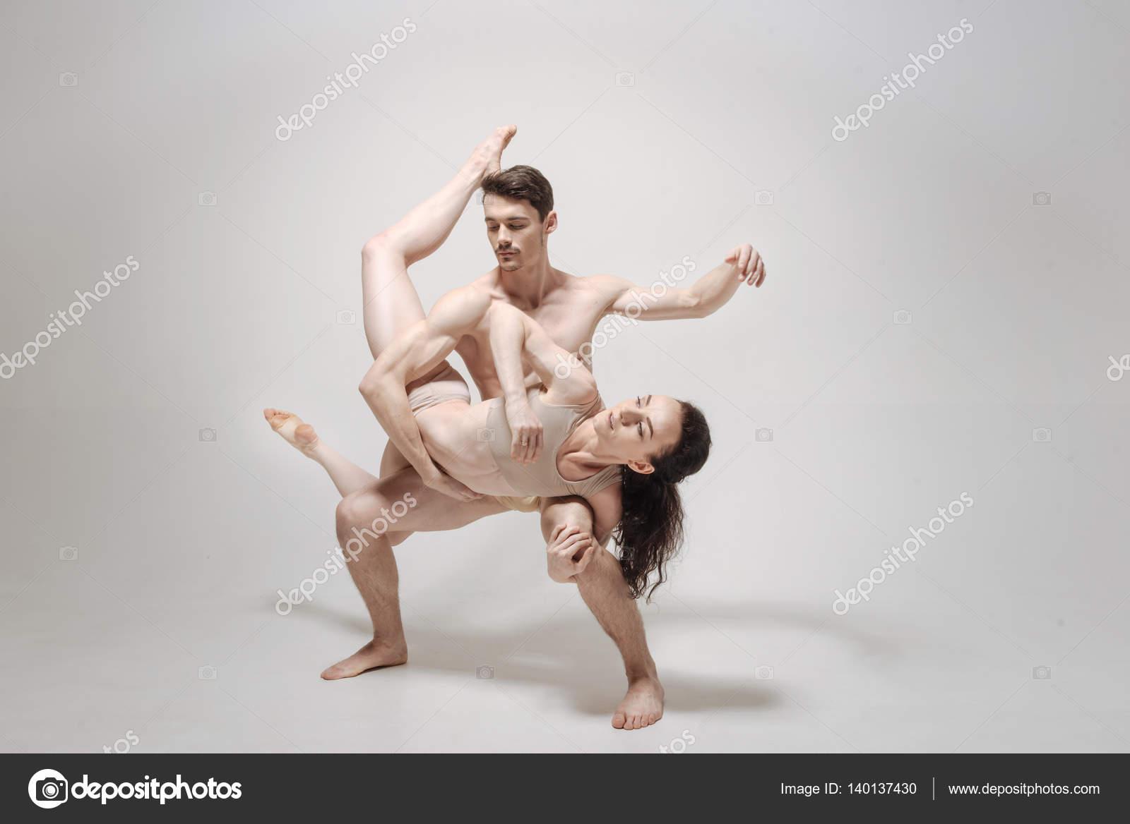 Сексуальный танец объятий