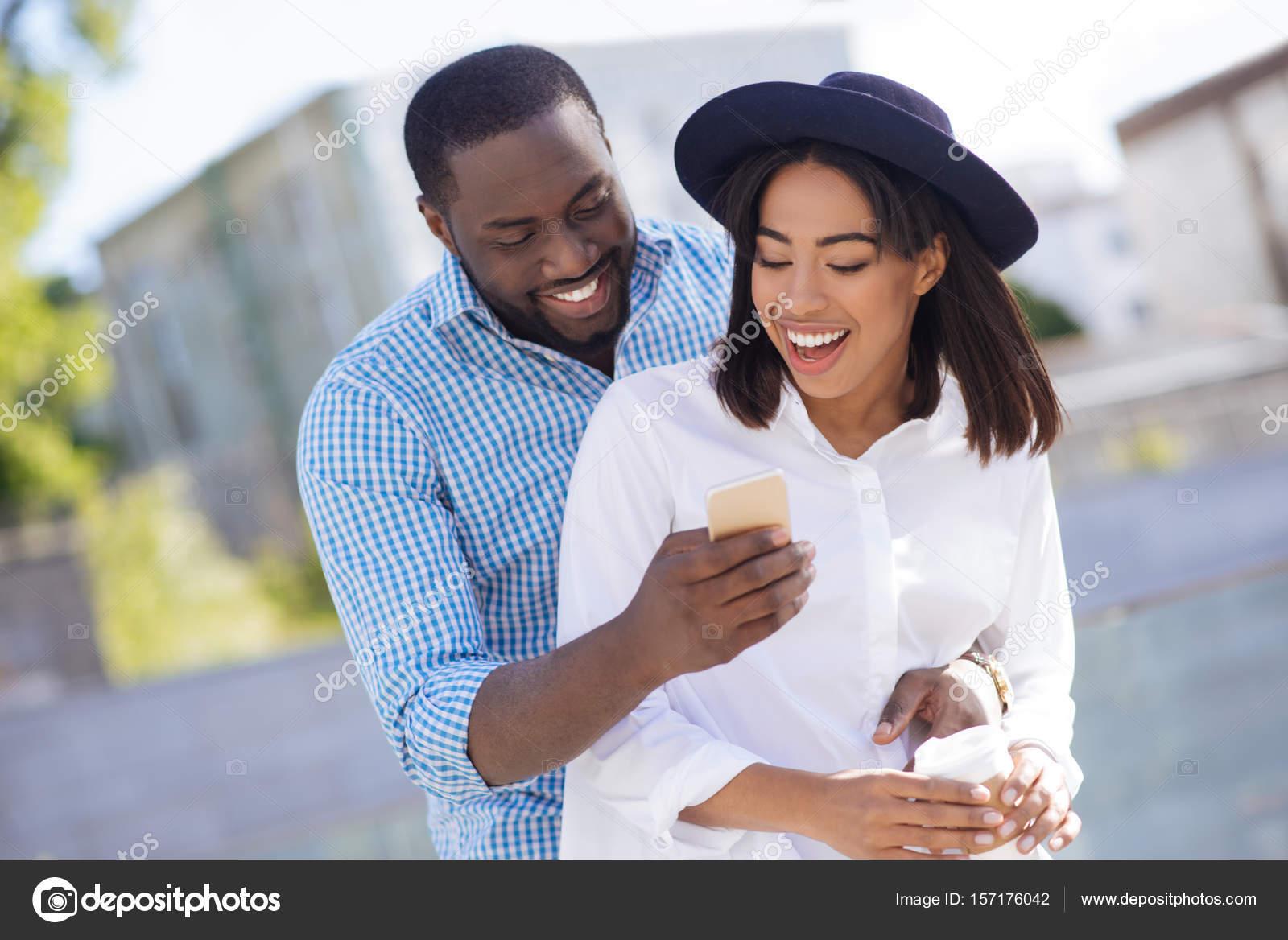 Δροσερό online dating