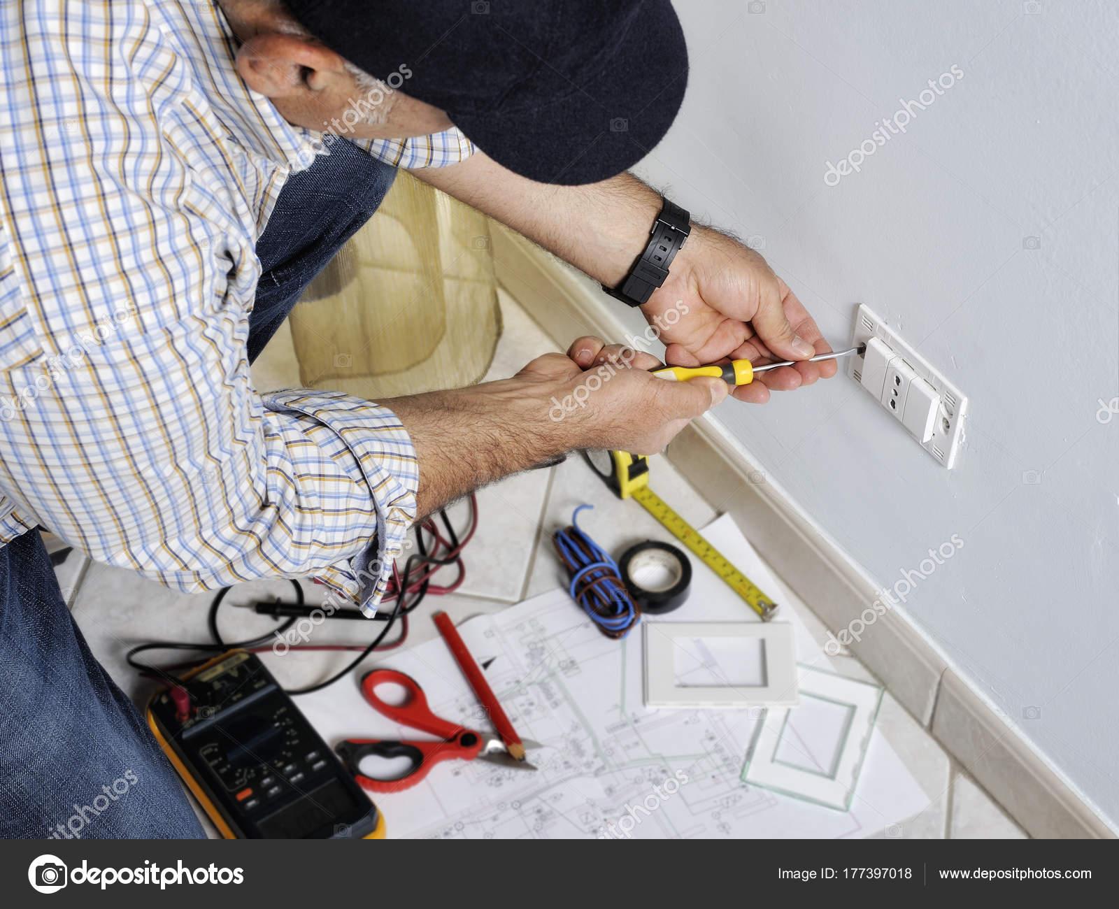 Tolle Elektrische Wohnsysteme Ideen - Schaltplan Serie Circuit ...