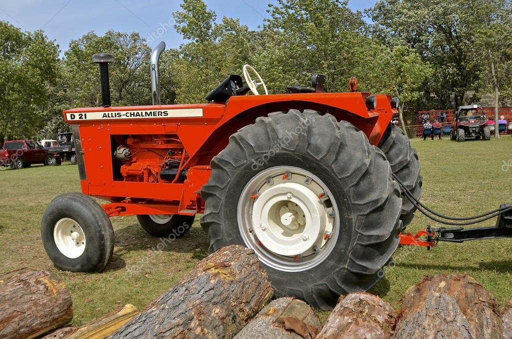 Restored Allis Chalmers D 21 Vintage Tractor Stock Photo