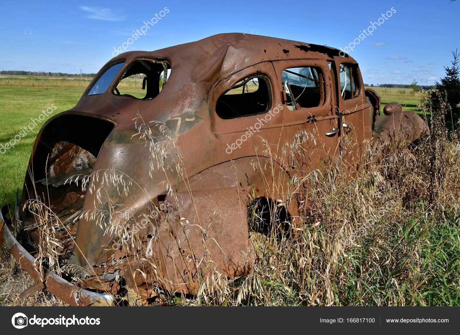 Rostigen alten Auto-Rahmen — Stockfoto © fiskness #166817100