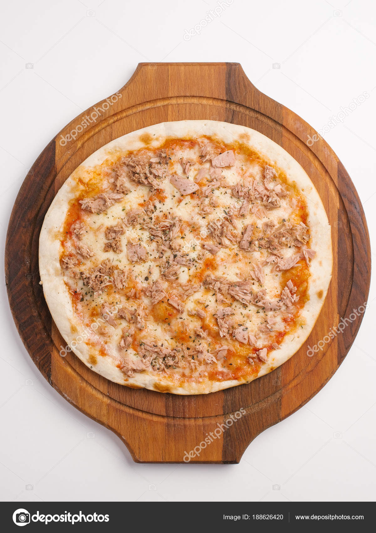 Top view of pizza with tomato sauce cheese and tuna served on wooden pizza plate u2014 Photo by tytbil88 & Top View Pizza Tomato Sauce Cheese Tuna Served Wooden Pizza u2014 Stock ...