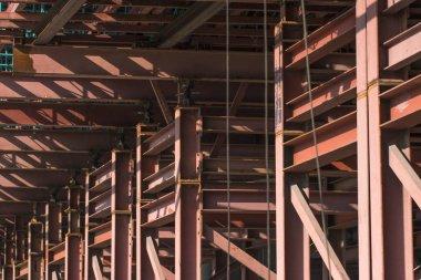 Structure building bridges