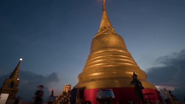 bangkok thailand wat saket zlatý hora buddhistický chrám večer čas vypršel