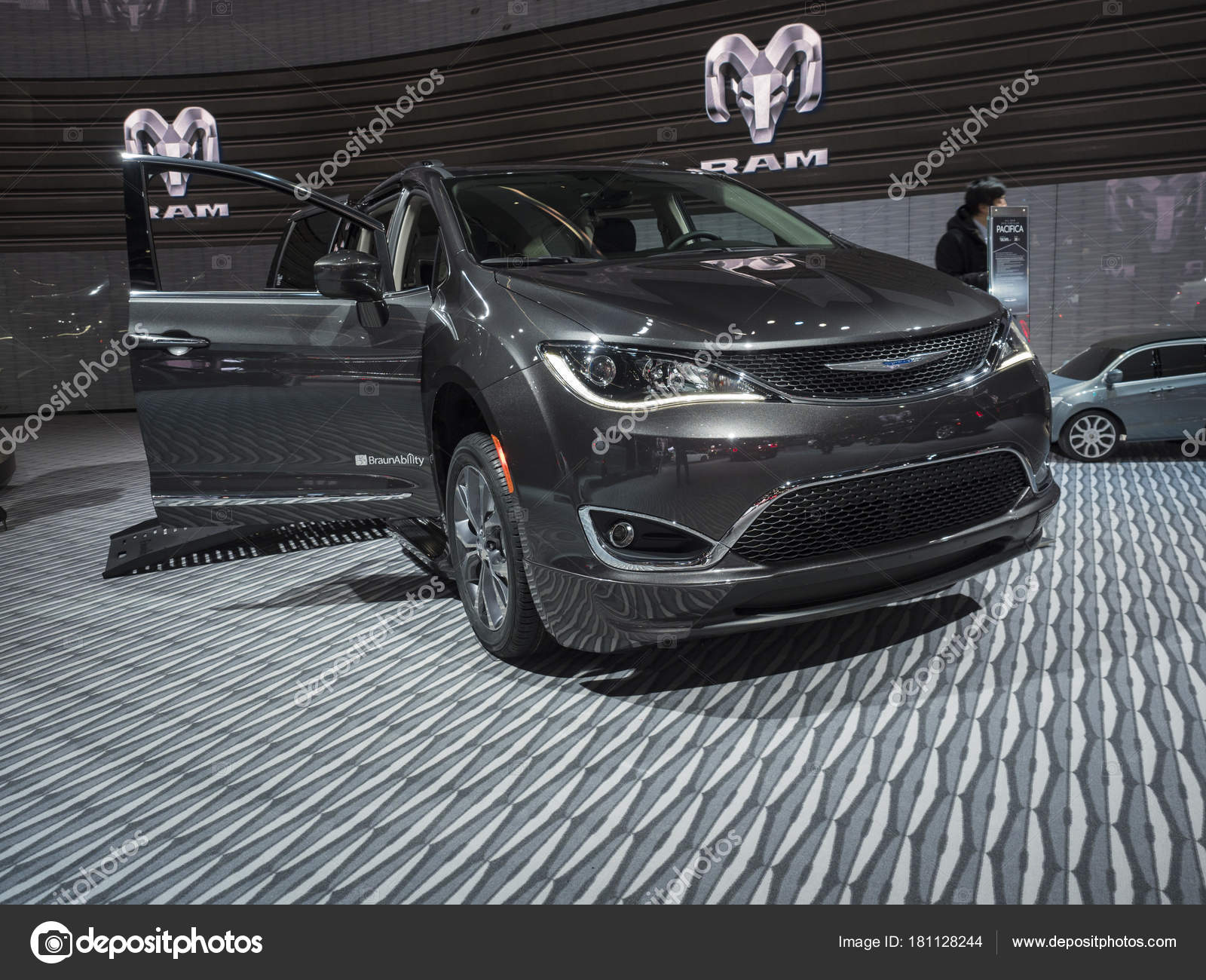 january group north naias fiat display at lighting detroit the wakefield litestructures downloads automobiles chrysler fca