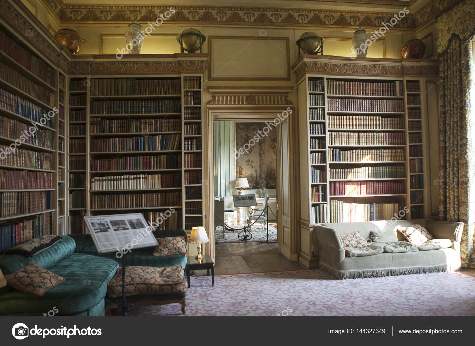 Typische interieur van engelse kasteel redactionele for Interieur english