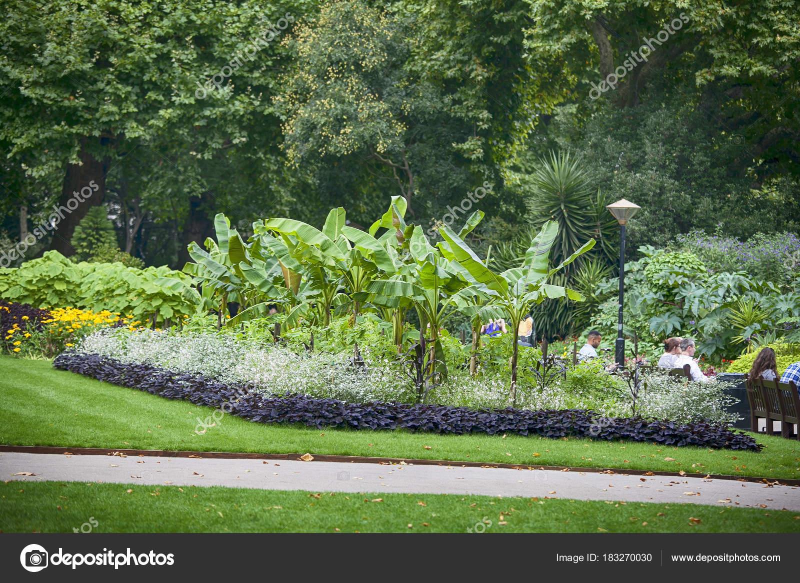 Victoria Embankment Gardens En Londres Foto Editorial De Stock