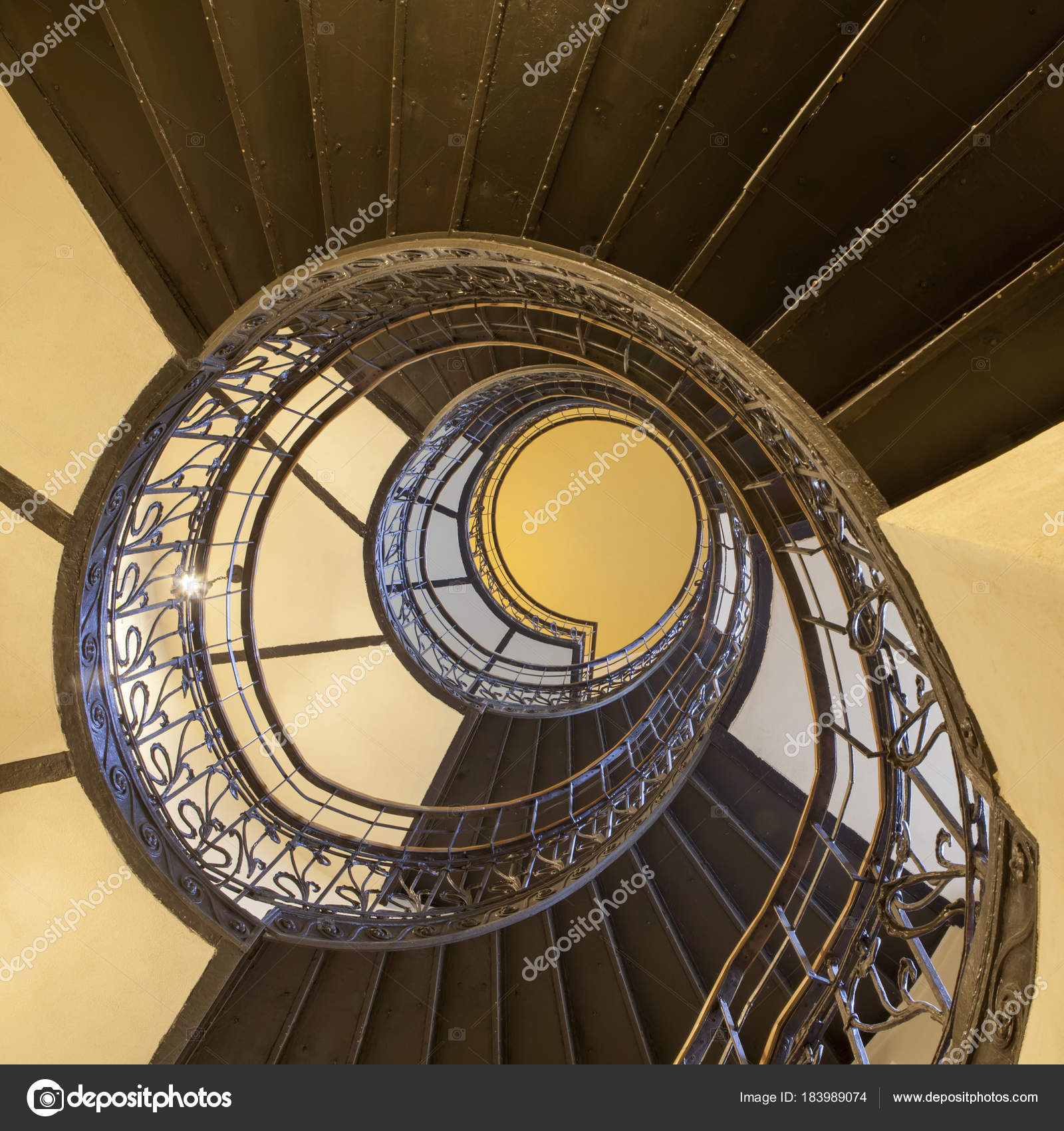 The Spiral Staircase In The Old House In Warsaw U2014 Stock Photo