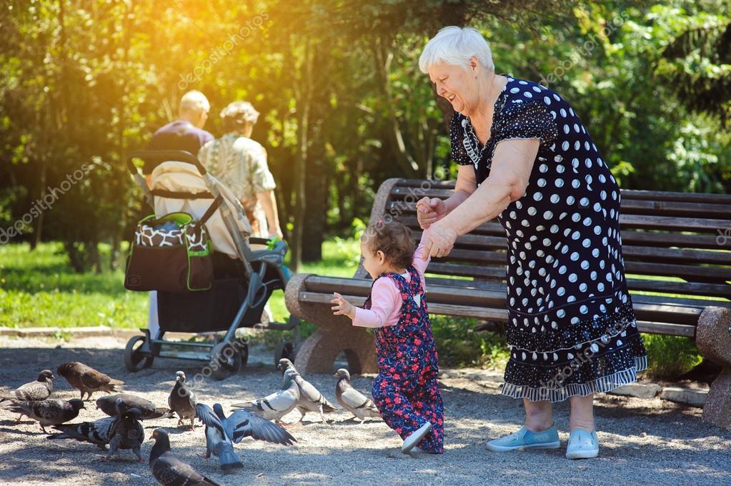 Русские бабкаи с внучками