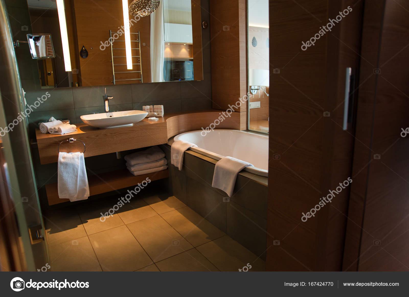 Badkamer Interieur Design : Luxe badkamer interieur design voor de moderne levensstijl met