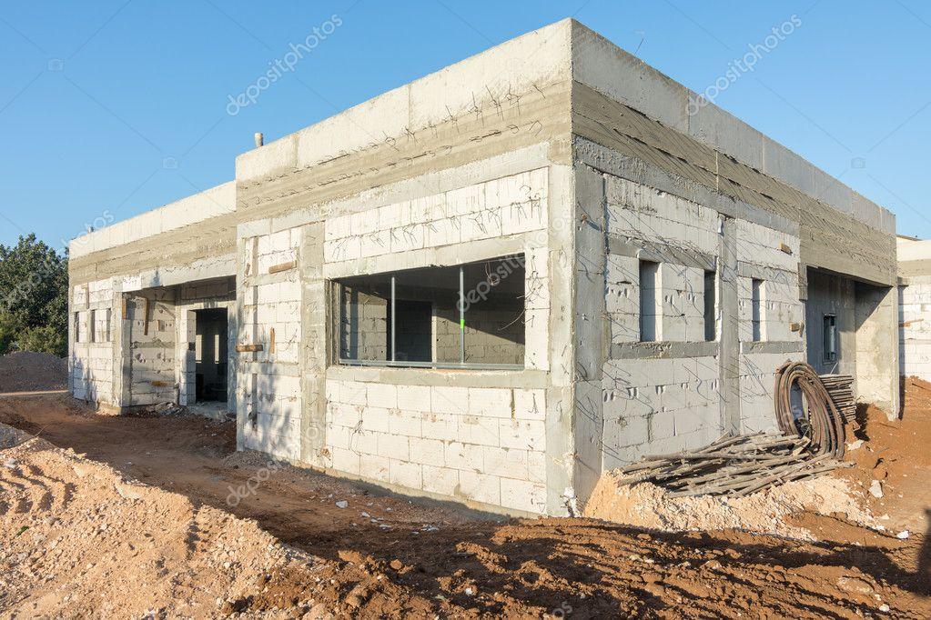 ziegel und beton haus im bau stockfoto dnaveh 124936676. Black Bedroom Furniture Sets. Home Design Ideas