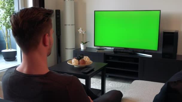 видео через телевизор