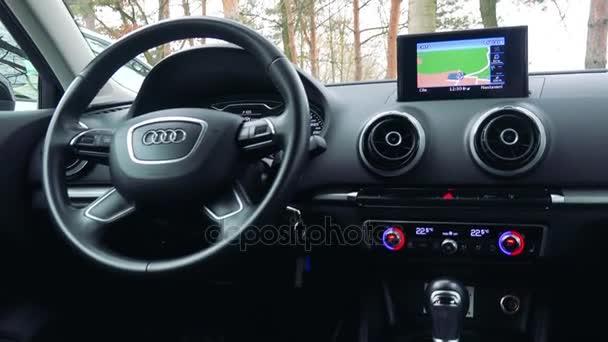 Řídicí panel a Gps luxusní auta