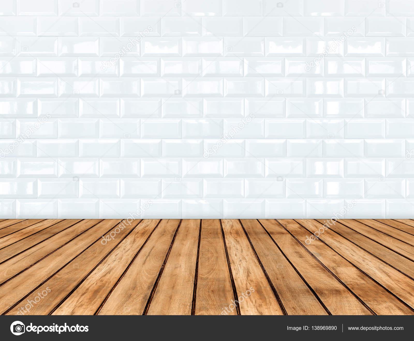 빈 나무 판자 바닥 및 광택 흰색 타일 세라믹 벽, 방 — 스톡 사진 ...