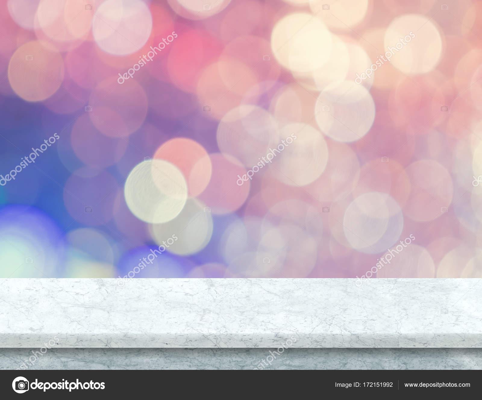 Tavolo In Marmo Bianco Con Bokeh Pastello Rosa E Blu Luce Ba Foto