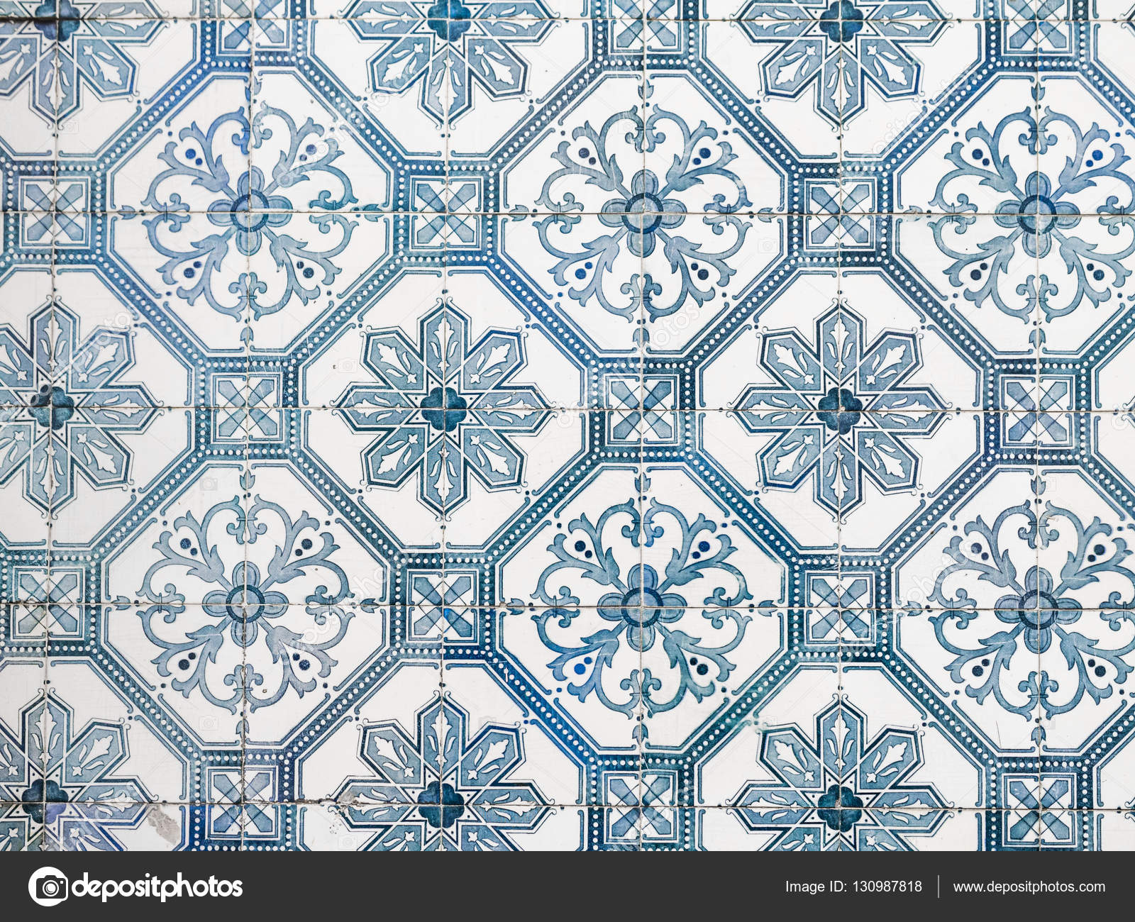 Keramische Portugese Tegels : Keramische portugese blauwe tegels u2014 stockfoto © magdalena