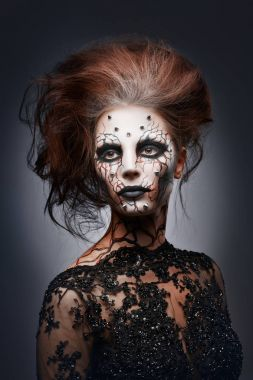 female halloween makeup