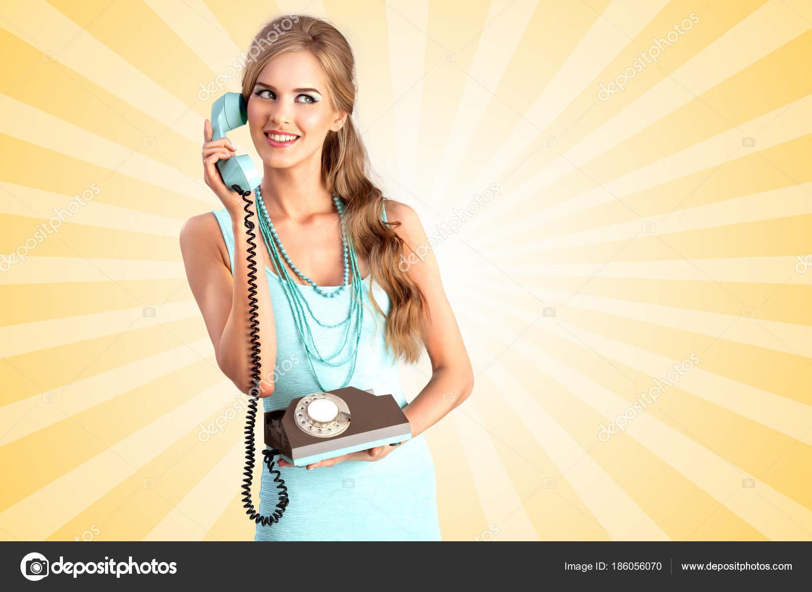 Креативные фото девушка с телефоном — photo 3