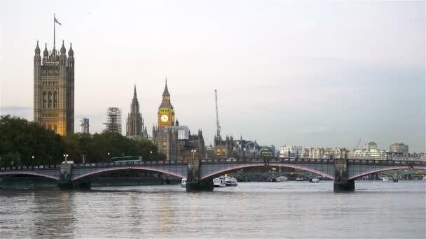 Lambeth Bridge a Westminster Palace, Londýn, Velká Británie