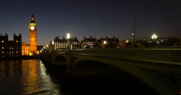 A Big Ben és a Westminster Bridge, Londonban, éjszaka