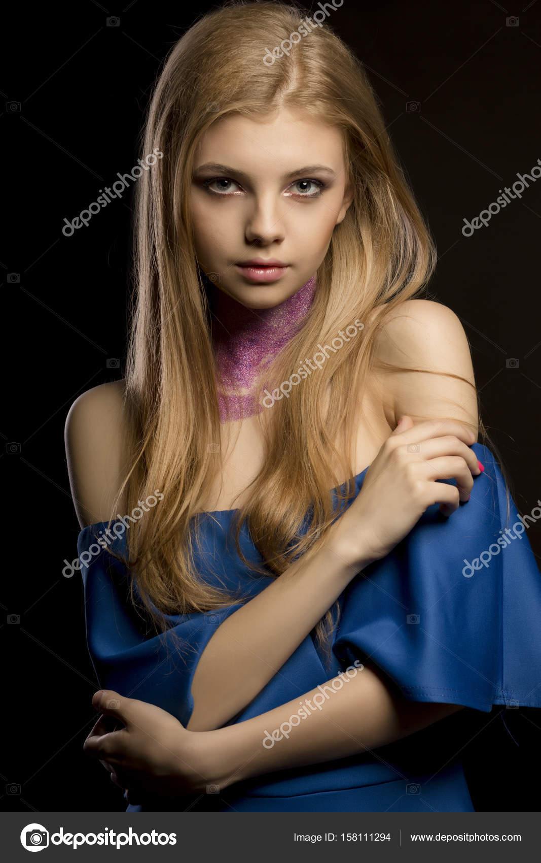 femme blonde nue