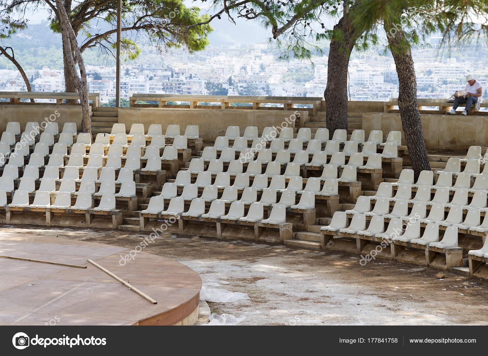 Stock Sedie In Plastica.Sedie Di Plastica Per Lo Stadio Teatro All Aria Aperta Foto Stock