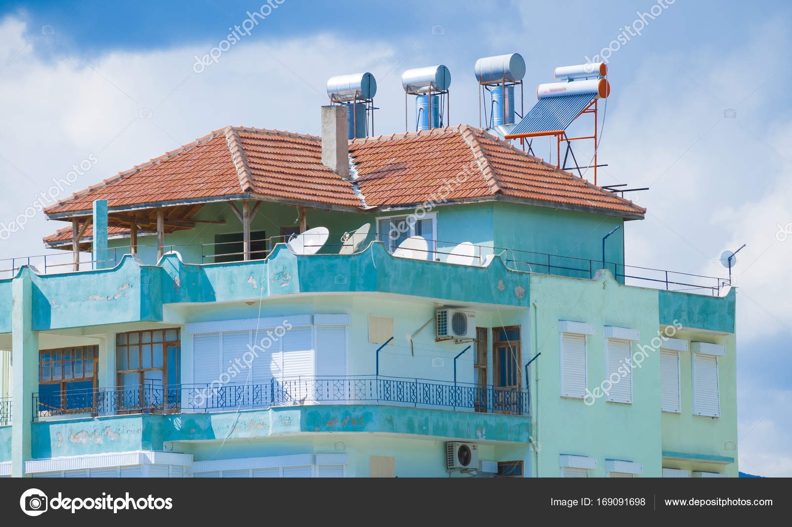 Solar Set Für Wasserheizung Am Dach. Turkei U2014 Stockfoto