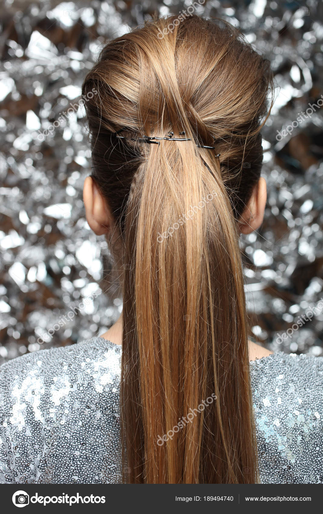 Schone Frisur Mit Einem Madchen Mit Langen Haaren Stockfoto